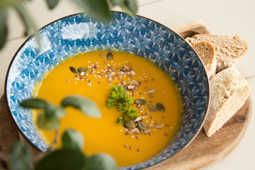 Soupe potimarron-châtaignes, miso