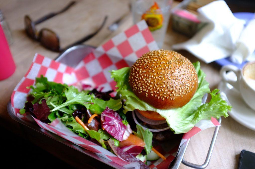 Veggie steaks : burgers betterave-quinoa